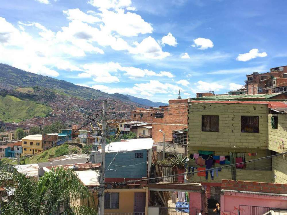 Travelling to Medellin, Columbia? Here are some Do's & Don'ts.